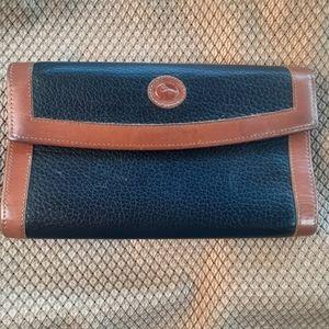 COPY - Dooney and bourke wallet